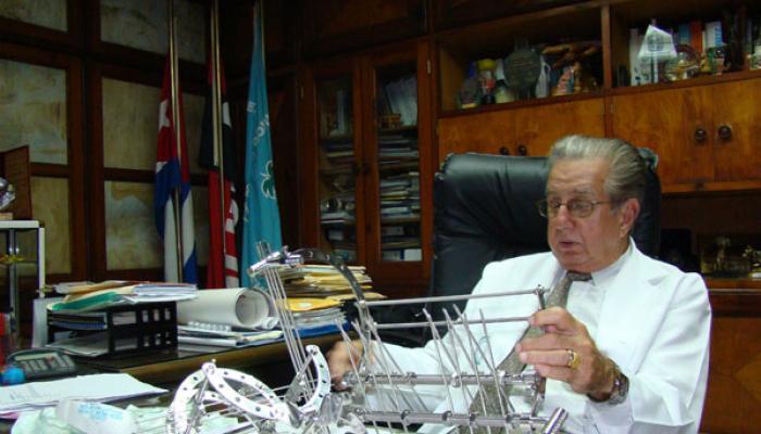prof. Rodrígo Álvarez Cambras