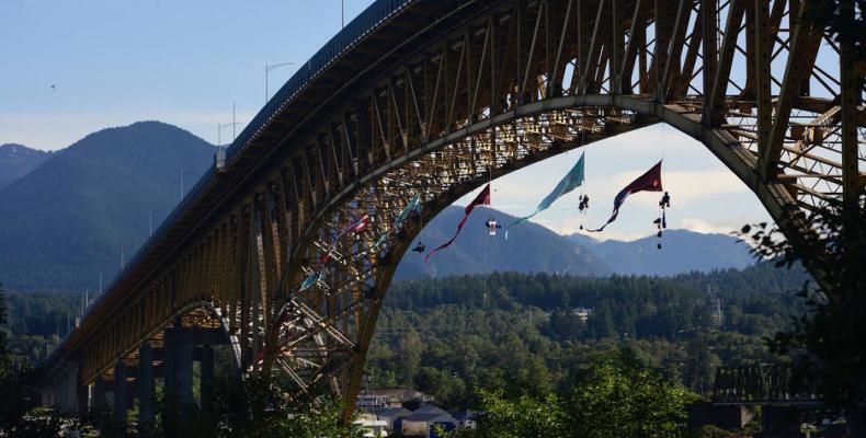 Greenpeace ends blockade of oil tanker in British Columbia