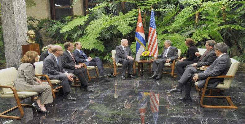Cuban President Raúl Castro met Tuesday  afternoon with a delegation from the United States Congress. Photo: Estudios Revolución