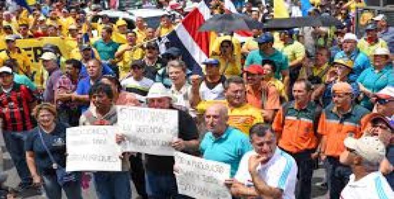 Costa Rica strike enters fourth week.  Photo: EFE