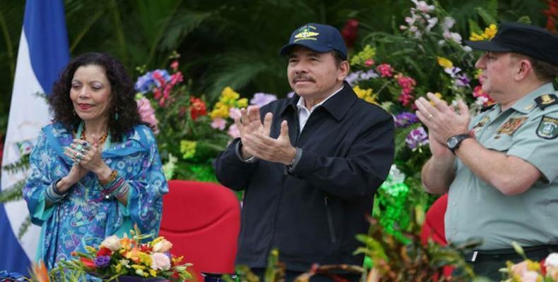 Daniel Ortega y Rosario Murillo presiden acto por 37 aniversario constitución de la Fuerza Aérea del Ejército. (Imagen: Jairo Cajina/La Voz del Sandinismo)