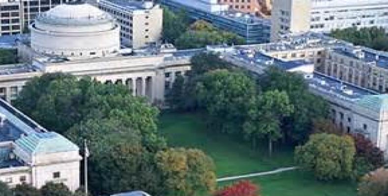 Universidad de Massachusetts
