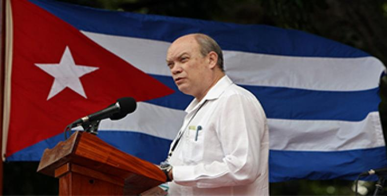 Malmierca recuerda la gratitud de los pueblos atendidos por los médicos cubanos. Foto: Archivo