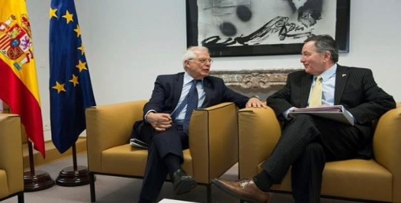 Spanish Foreign Minister Josep Borrell and his Chilean counterpart Roberto Ampuero during the UE-CELAC summit in Brussels, July 16, 2018.   Photo: EFE