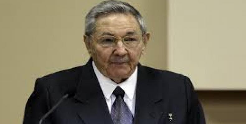 Raúl Castro akceptis delegitaron de la usona kongreso