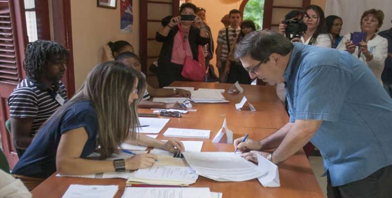 Canciller Bruno Rodríguez durante la votación del pasado 26 de noviembre. Foto/PL