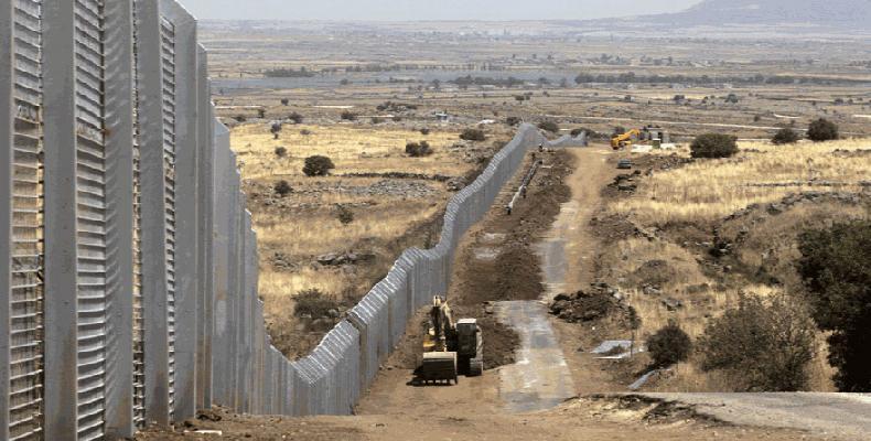 Presidente dos EUA volta a defender muro na fronteira com o México.