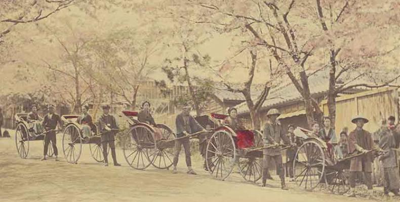 la muestra la conforman las tradicionales fotografías de Yokohama, consideradas artesanías que combinan las técnicas occidentales del siglo XX.Foto:Internet.