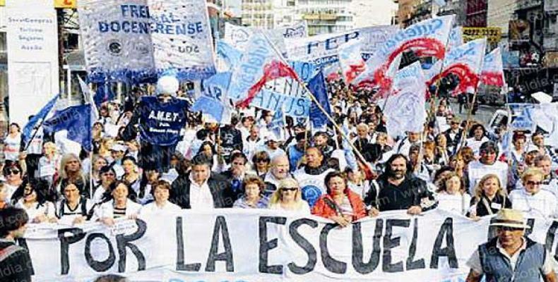 La secretaria del Sindicato Unido de Trabajadores de la Educación de Buenos Aires, María Laura Torre, calificó de masiva la participación de los docentes de col
