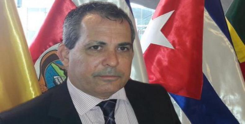 Diplomático cubano Juan Antonio Fernández