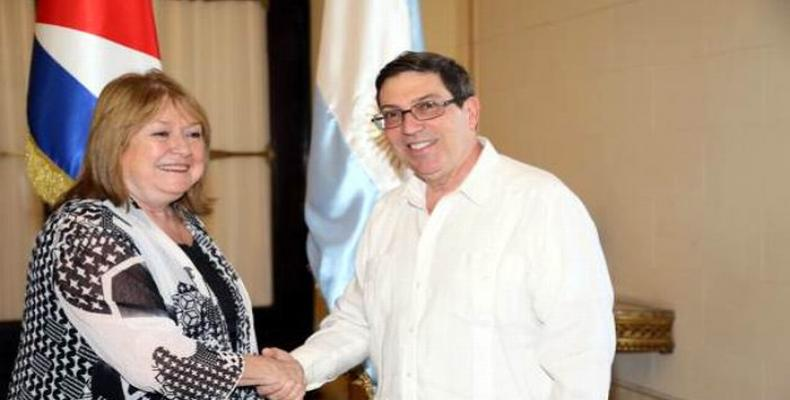 Cuban Foreign Minister Bruno Rodríguez Parrilla and his Argentine counterpart Susana Malcorra