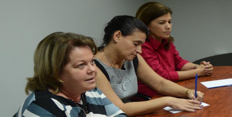 Teresita Rodríguez (I), Ana Teresa Igarza (C) y Vania Rodríguez (D) representan a Cuba en la cita Hecho en las Américas. Fotos: Roberto Suárez