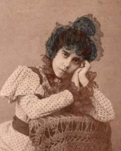Young writer and painter Juana Borrero. Photo: Radio Reloj