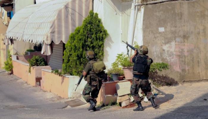 Redadas y patrullajes militares en campamentos de refugiados y zonas conflictivas, captura de presuntos terroristas y reforzamiento del despliegue policial ilus
