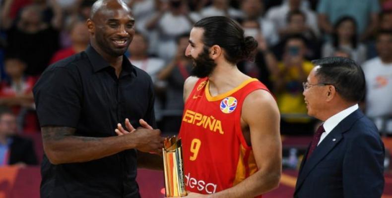 Kobe Bryant felicita a Ricky Rubio