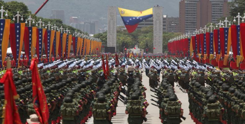 La Fuerza Armada Nacional Bolivariana estuvo representada en el desfile por 10 mil integrantes. Foto: Archivo