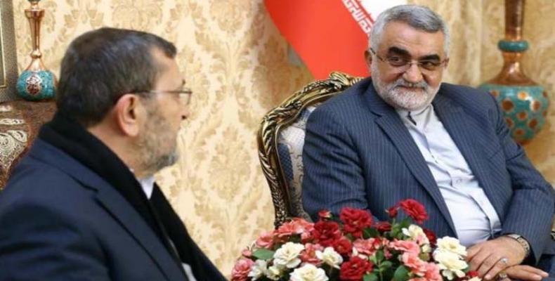Alaeddin Boruyerdi (der) y Hasan Ezedin