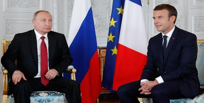 presidente de Rusia, Vladímir Putin, y de Francia Emmanuel Macron