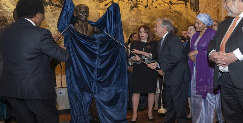 Secretario General de ONU devela estatua de Nelson Mandela.(Foto:ONU)