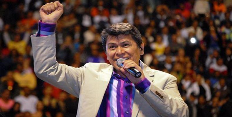 Cantautor salvadoreño Álvaro Torres