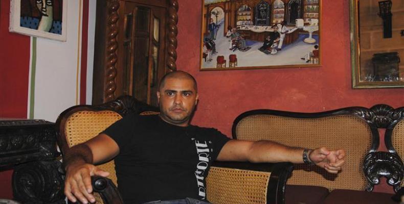 Gilberto (Papito) Valladares, el peluquero que conversó con Obama en el foro de negocios. Foto: Archivo