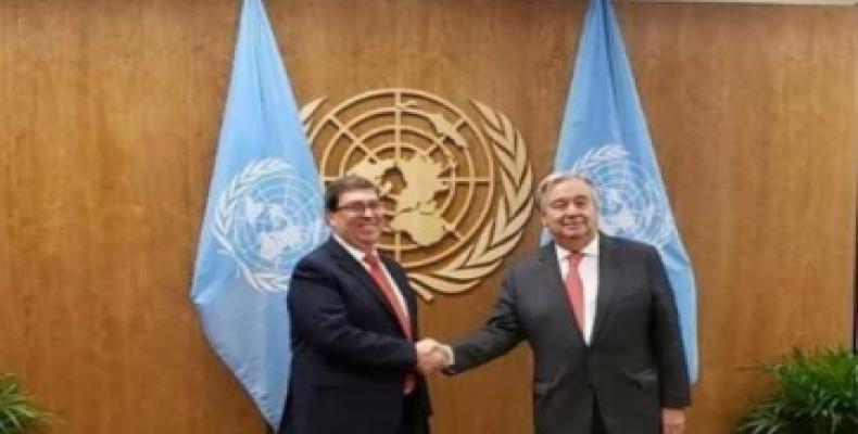 Bruno Rodríguez, kuba ministro pri eksteraj rilatoj kaj Antonio Guterres