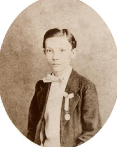 A los 9 años, en 1862, recibió una medalla por sus excelentes calificaciones. Foto: Archivo