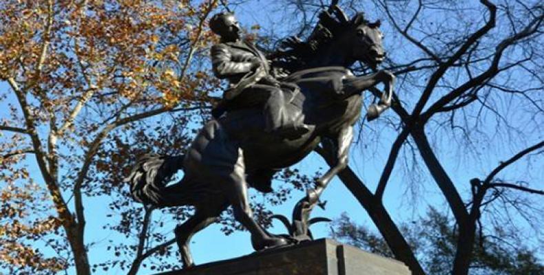 Esta es la última gran estatua ecuestre concebida por Hyatt a sus 82 años. Tiene 18,5 pies de altura. Foto: Magda Resik
