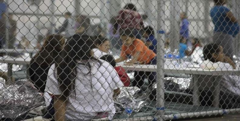 U.S. judge to appoint independent monitor to oversee detention centers with children.  Photo: AFP