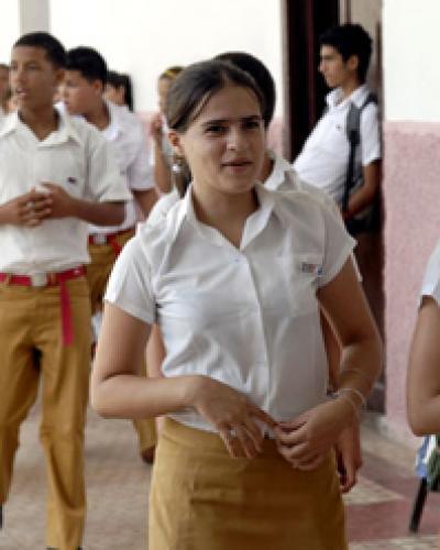 Alumnos de Secundaria Básica, en Cuba. Foto: Archivo