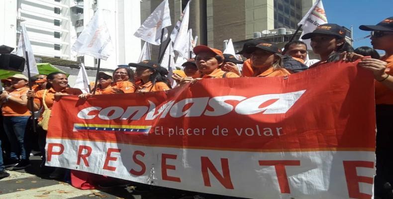 Movilización en apoyo a Conviasa