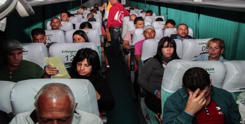 Migrantes cubanos que salieron recientemente de Costa Rica