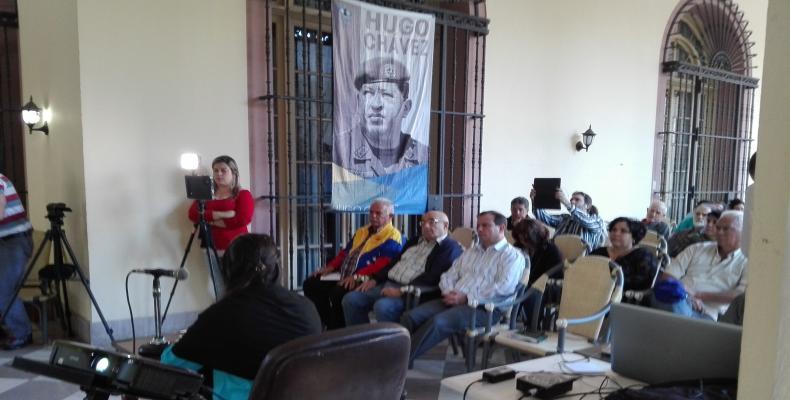 Tuitazo desde Cuba convoca a la paz en el mundo.Foto:Lorenzo Oquendo.