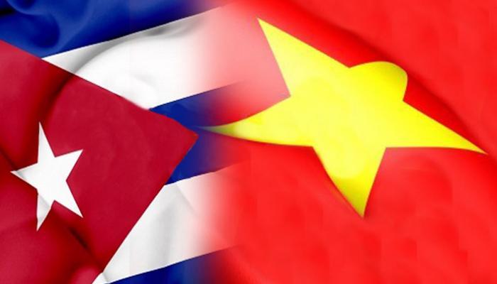 El primer ministro de Vietnam, Nguyen Xuan Phúc, recibió a Jorge Luis Perdomo Di-Lella, ministro de Comunicaciones de Cuba Fotos:CubaMinrex.