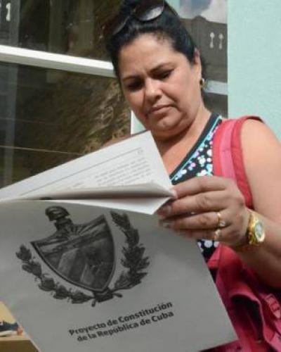La consulta popular acerca de la futura Ley de Leyes de Cuba coincide con el proceso asambleario para el X Congreso de la FMC. Foto: ACN