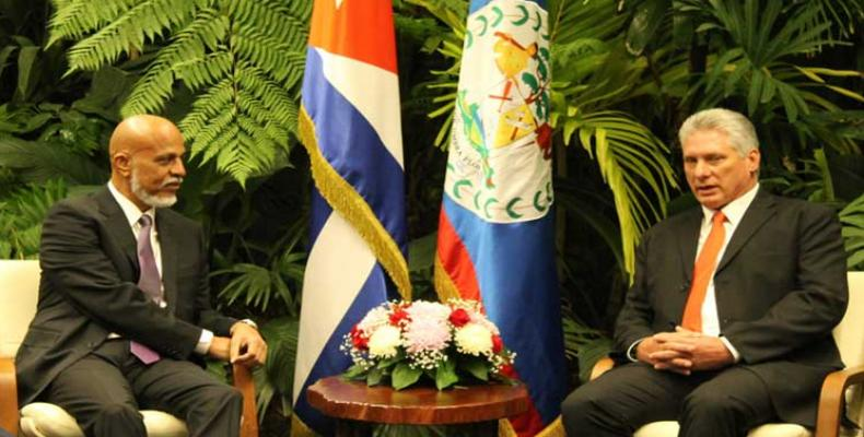 Cuban president meets with Belize's prime minister. Photo: PL
