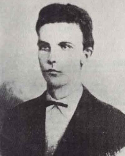 Pepe a los 16 años . Foto tomada de poemas-del-alma.com