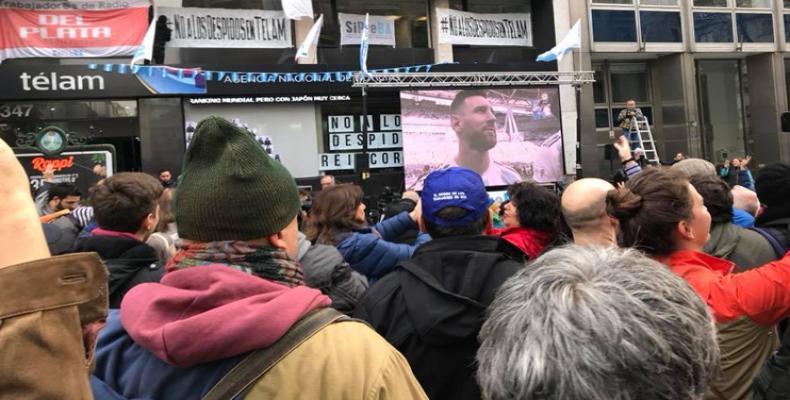 Continúan trabajadores de agencia argentina Télam en pie de lucha. Foto:PL.