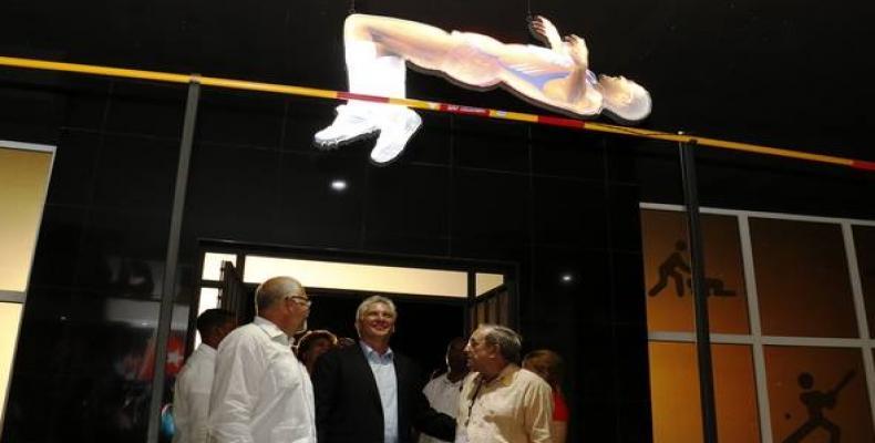 Díaz-Canel en inauguración del Salón del Deporte. Foto: Calixto N.Llanes.