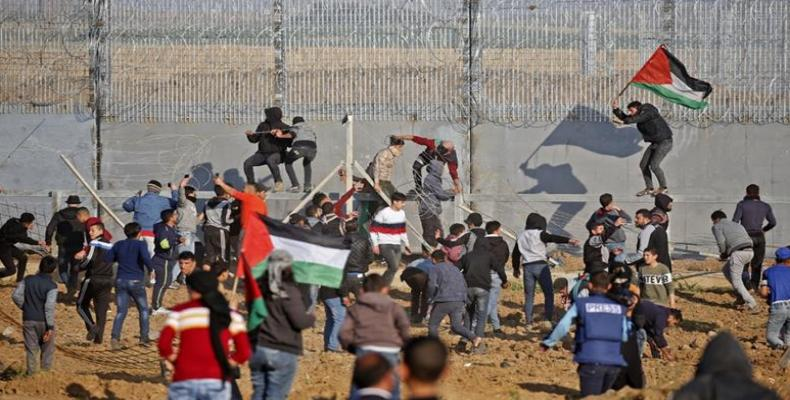 Israeli forces kill two Palestinians at Gaza protests
