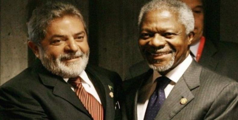 Former Brazilian President Lula with former UN General-Secretary Kofi Annan.   Photo: @LulaOficial