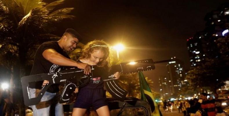 Bolsonaro loosens gun laws as violence spirals out of control in Brazil.  Photo: teleSUR