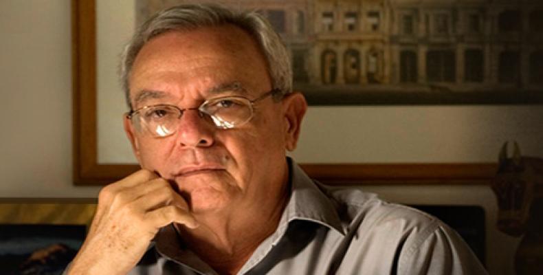 Eusebio Leal, junto a otros historiadores, recibió la condición de Miembros de Honor de la Unión de Historiadores de Cuba.Foto:Internet.