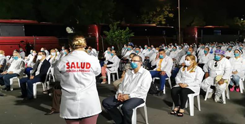 Solo tres días después de que Venezuela reportara los primeros casos positivos con el SARS-Cov-2, Cuba envío una delegación especializada para asesorar a los co