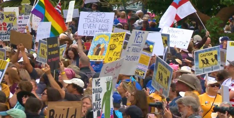 Protesters led by a coalition of interfaith religious leaders demonstrate against US immigration policy that separates parents from their children, June 23, 201