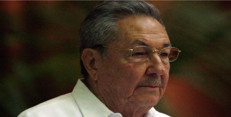 Presidente Raúl Castro felicita academia militar Antonio Maceo