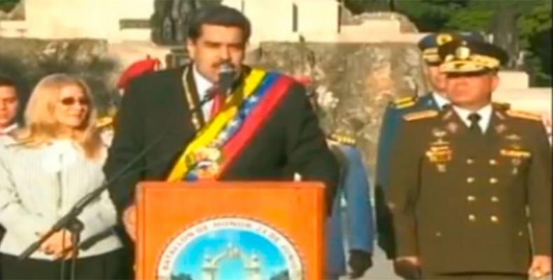 Maduro llamó a la FANB a mantenerse unida, cohesionada y leal para preservar la soberanía e independencia de la República.(Foto:internet)