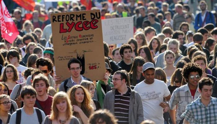 Enfrentamientos entre manifestantes y fuerzas policiales ocurrieron este jueves en Francia durante las marchas