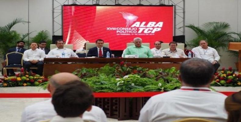 Presidente cubano asistió a clausura de consejo político del ALBA-TCP