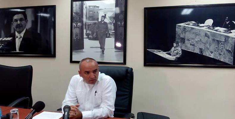 Al frente de nuestra delegación viaja Ernesto Soberón Guzmán, Director de Asuntos Consulares y Cubanos Residentes en el Exterior, de la Cancillería. Foto: Archi